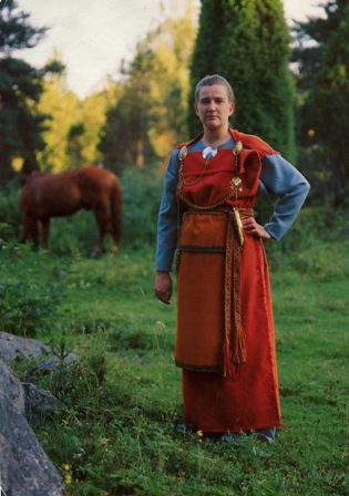 Traditional clothes from Finland. Image: Jimmie, Wikimedia Commons.