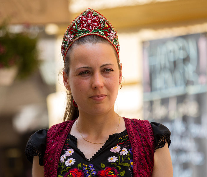 A woman wearing traditional Hungarian clothes in Budapest. Image: Frank Schulenburg.