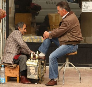 Getting shoes shined in Gelibolu, Turkey. Image: Alaskan Dude.
