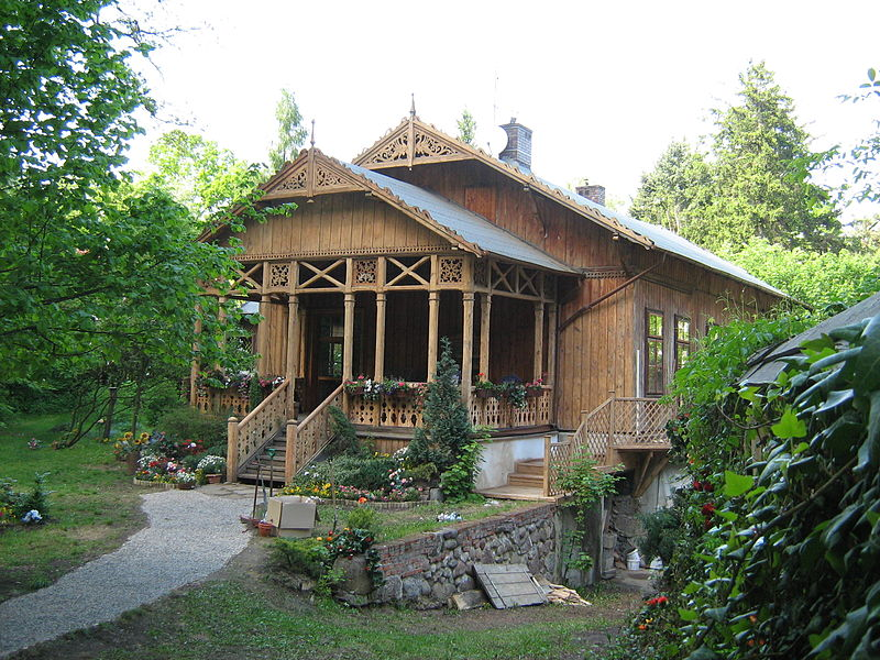 A Polish wooden house. Image: Christopher Ziemnowicz.