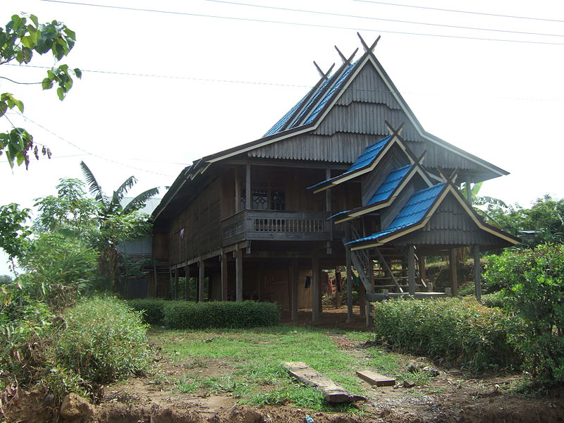 Traditional Buginese home near Makassar, Indonesia. Image: Midori.