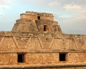 An ancient building from Uxmal in Mexico. Image: Pedro Sánchez.